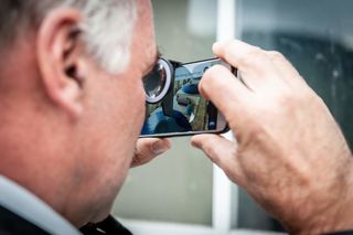 Der neue Rundgang mit 3D-Brille macht die unsichtbaren Anlagenteile des Kraftwerks Jochenstein für Besucher erlebbar.