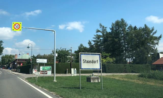 Einbruchsdiebstahl in Staasdorf: Täter auf der Flucht.