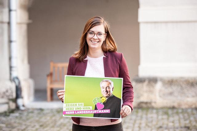 """Die Grüne Landtagsabgeordnete Lara Köck fordert Landeshauptmann Hermann Schützenhöfer auf, """"Herz und Hirn zu zeigen""""."""