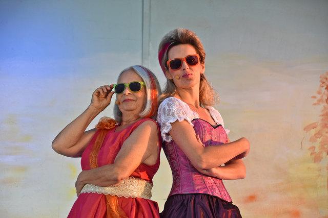 Die Frauen behalten bei Shakespeare eindeutig die Oberhand: Gerda Sabara und Edith Fuchsbichler.