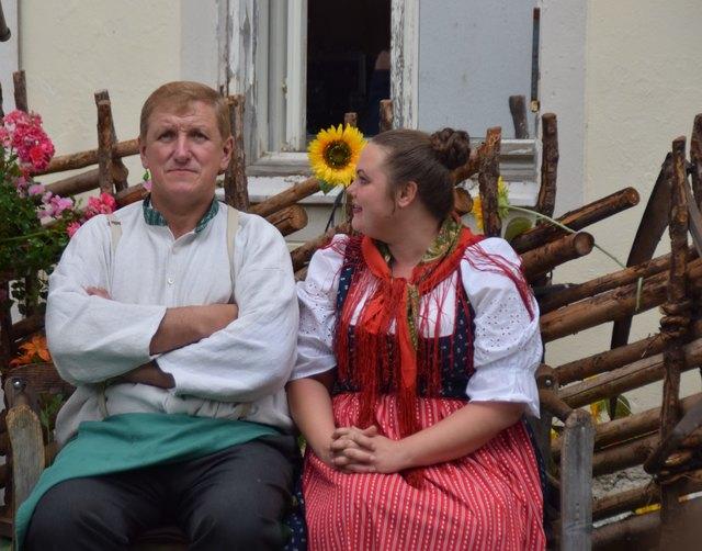 In den Hauptrollen: Gabriel Schmid und Nasstasja Schell