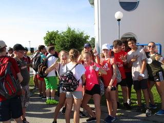Über 200 Schüler und Schülerinnen der Neuen Mittelschule drehten für einen guten Zweck ihre Laufrunden.