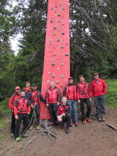 Die Bergrettung sicherte beim Kletterturm.