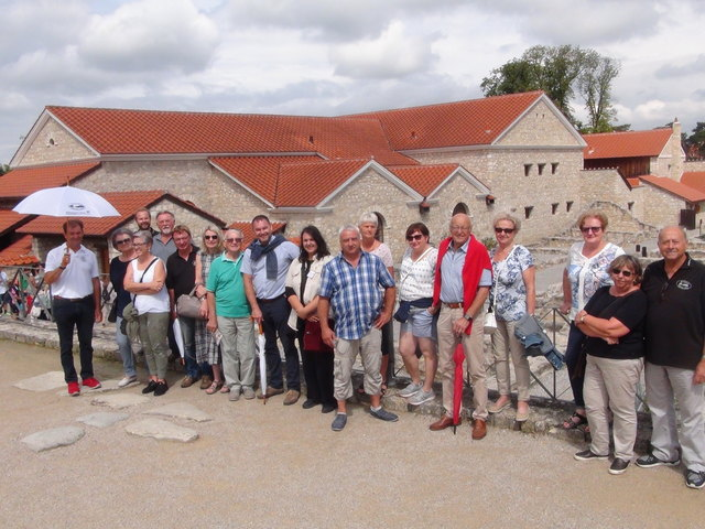 Mitglieder des Leibnitzer Oldtimer-Club waren in Carnuntum den Römern auf der Spur.