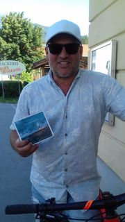 Karl Pfeifer präsentiert seine CD remember