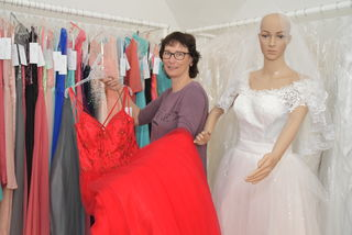 Ball- und Brautmode gibt es ab 1. August bei Manuela Kahl in Obervellach