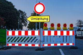Der Kreisverkehr im Andorfer Ortszentrum wird umgebaut. Deshalb gibt's bis 7. September 2018 weiträumige Umleitungen.