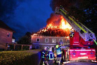 Der Dachstuhl war in Brand geraten.