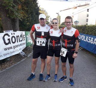 Die Startläufer Bernhard Schafrath, Claudia Fritz und Jakob Hasler.