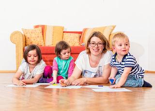 Der OÖ Familienbund bietet eine Ausbildung für alle, die gerne mit Kindern arbeiten möchten, an.