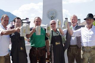 Eröffnet wurde das Stadtfest mit einem Bieranstich durch Bürgermeister Manfred Seebacher, unterstützt wurde er von Johann Kleinhofer, Stefan Hofer, Werner Dick, Walter Schweighofer und Michael Wallmann.