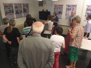 Volles Haus: Die Historikerin Brigitte Pellar führt teilweise selbst durch die Ausstellung. Am 13. August gibt es noch einen Termin.