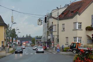 Die Lichtsignalanlage an der Kreuzung beim Wieselburger Rathaus ist seit über zwei Wochen defekt.