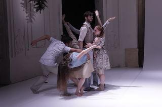 """Szenefoto aus dem Tanzstück """"Balthasar"""" von N. Adler"""