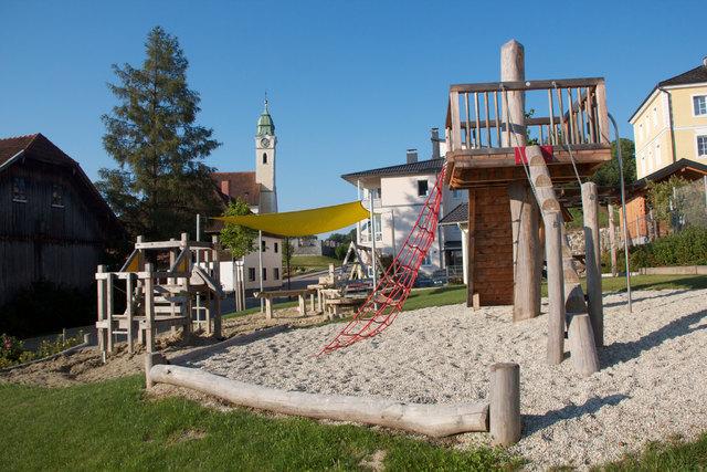 Eitzing Mehr Spielplätze im Bezirk Ried