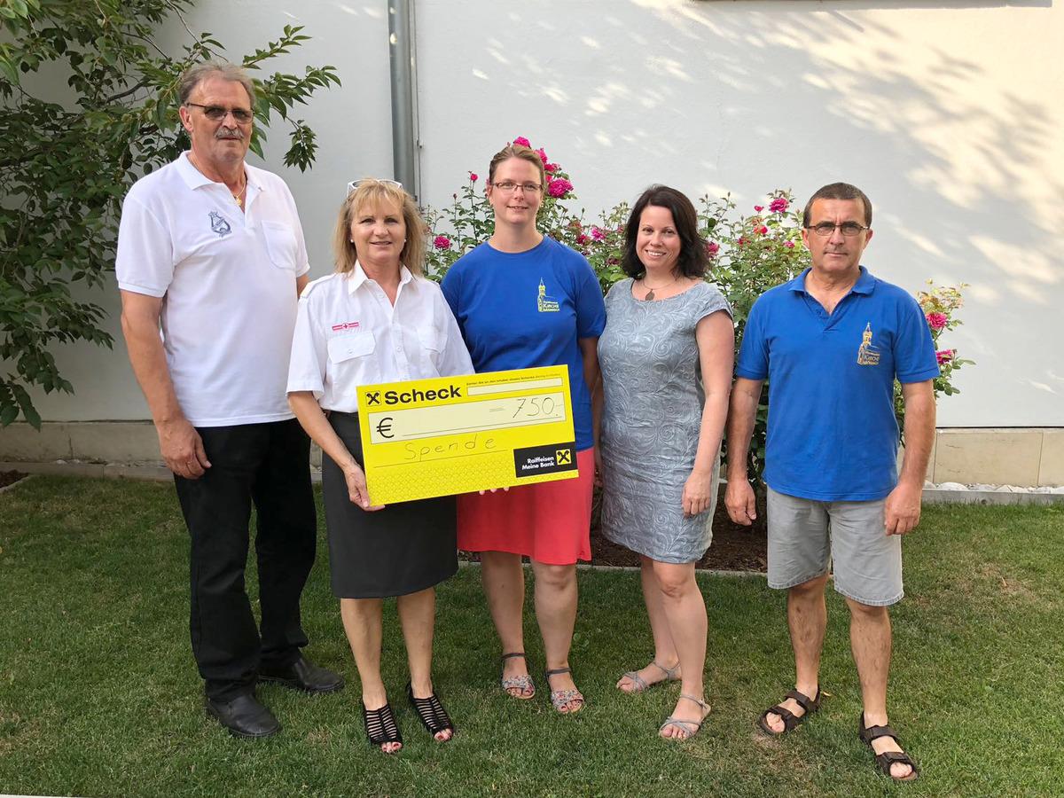 Angelika Jager mörbisch: musiker spenden für rotkreuz-ortstelle - eisenstadt