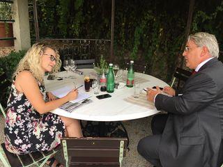 Bezirkschef Ernst Nevrivy macht im Gespräch mit bz-Redakteurin Conny Sellner einmal mehr klar, was er über die Stadtstraße denkt.