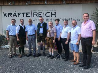 Unsere Abgeordneten Franz Fartek (l.) und Anton Gangl (2.v.r.) trafen sich mit VP-Klubobmann Karl Lackner.