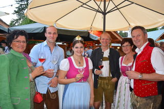 Beste Stimmung auch bei Bgm. Ursula Malli, Martin Strablegg, Katja I., Robert Dirnböck, Annemarie und Bgm. Gerhard Hartinger.