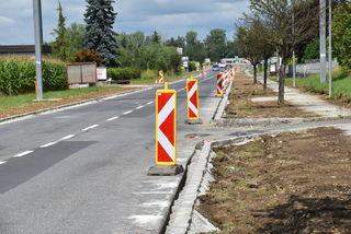 Erneuerung der Straße und Verengung der Fahrbahn: Die Bauarbeiten dauern laut Landesregierung bis Ende September.