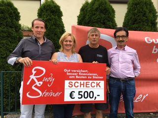Rudy Steiner, Sonja Marth, Harald Kleinschuster und Walter Roth (von links) übergaben eine stattliche Summe.