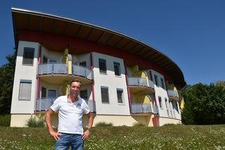 """Carl-Peter Echtermeijer hat die Pension Pirnbacher gekauft und macht daraus das Gästehaus """"Solens Land"""" (= """"Land der Sonne"""")."""