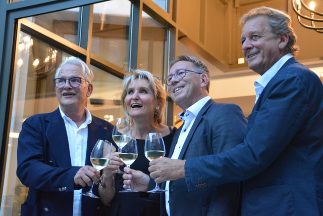 Simon Hermann Huber, Silvia Latzelsperger, Bgm Martin Krumschnabel und AK-Präsident Erwin Zangerl (v.li.).