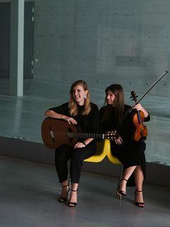 Duo Sonoma: Sara und Mira Gregorič