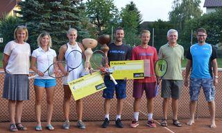 Heidi Lanzenhofer (Turnierleiterin) Kristyna Horakova, Marlies Szupper (Siegerin), Mario Haider-Maurer (Sieger), Christopfer Hutterer, Gerhard Wieser (Organisation/Oberschiedsrichter) und Mario Wallner (Obmann UTC Kilb).