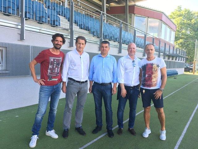 SCK-Trainer Enrico Kulovits und Obmann Alfred Tomberger (v. l.).
