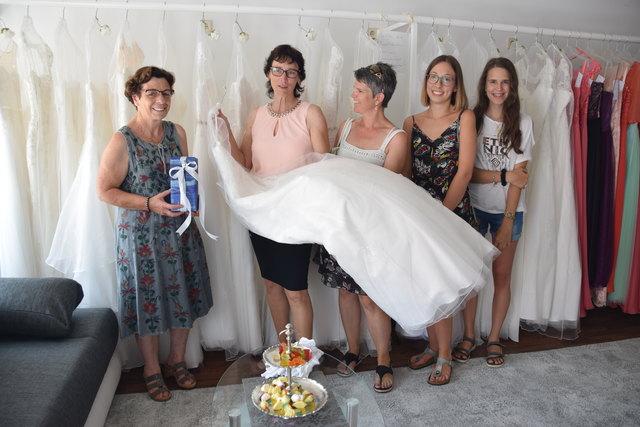 Brautmoden Thema Auf Meinbezirk At