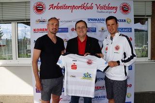 Gerald und Andreas Strafner sowie die Mannschaft widmeten den Sieg ihrem Obmann Hans-Joachim Waldhaus.