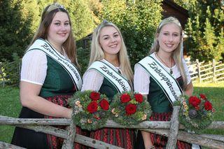 Neue Hoheiten: Viktoria Leitner, Julia Liebminger und Edith Haslebner. Foto: Mandl