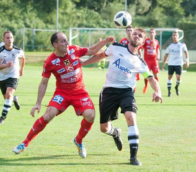 Mondsee, im Bild Neven Gojic (l.) gegen Gaspoltshofen, stimmte sich mit Siegen im Landescup auf die Meisterschaft ein.