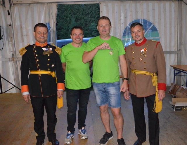 Hauptmann Claus Helmhart, Hannes Wild, Gardeschütze Wolfgang Watzer und Leutnant Martin Wild (v. l.).