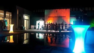 das Ukulele Orchester in der stimmungsvoll beleuchteten Mamuz Arena