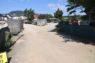 Ab Montag sollen Autos über das Postplatzl und den Parkplatz vom Autohaus Tonitz fahren können