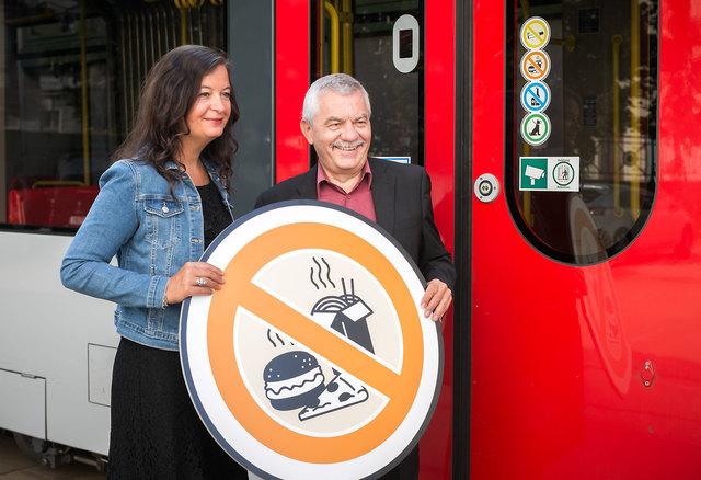 Überwältigende Mehrheit für Essverbot auf allen U-Bahn-Linien StRin Ulli Sima, Günter Steinbauer