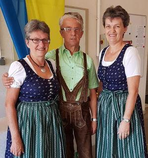 Flotter 3er: Dreigesang aus Gainfarn. Man wird sie bei der Dichterlesung am 16. September in Mödling hören können.
