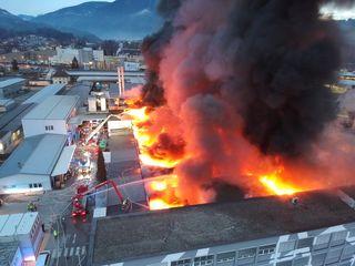 Brände wie der am Gelände von 3M beschäftigten die Einsatzkräfte