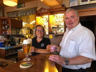 Wolfgang Falk ist nicht nur bei seinen Gästen, sondern auch bei den Mitarbeitern für seinen Wiener Schmäh bekannt.