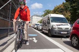 Viele Radfahrer halten sich nicht an die Maximalgeschwindigkeit von 10 km/h bei ungeregelten Radfahrübergängen