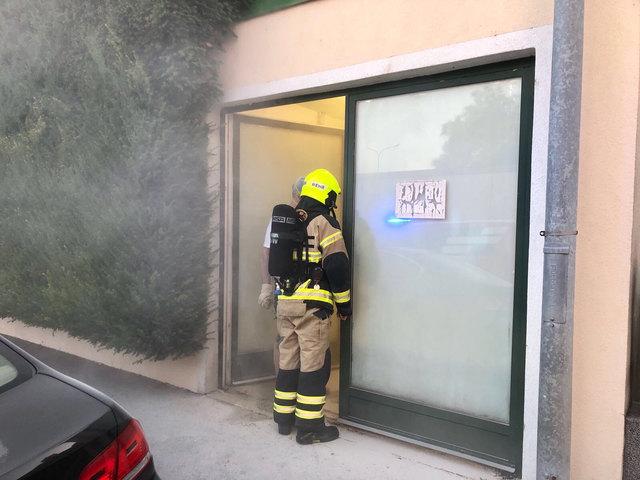 Schwechat: Ursachenforschung der Feuerwehr wegen Rauches in der Sendnergasse