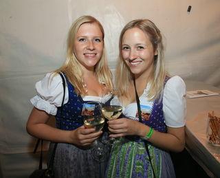 Claudia und Tina aus Weißenkirchen im Attergau