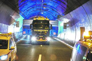 Per Sondertransport wurde der Zylinder angeliefert. Foto: Andritz AG