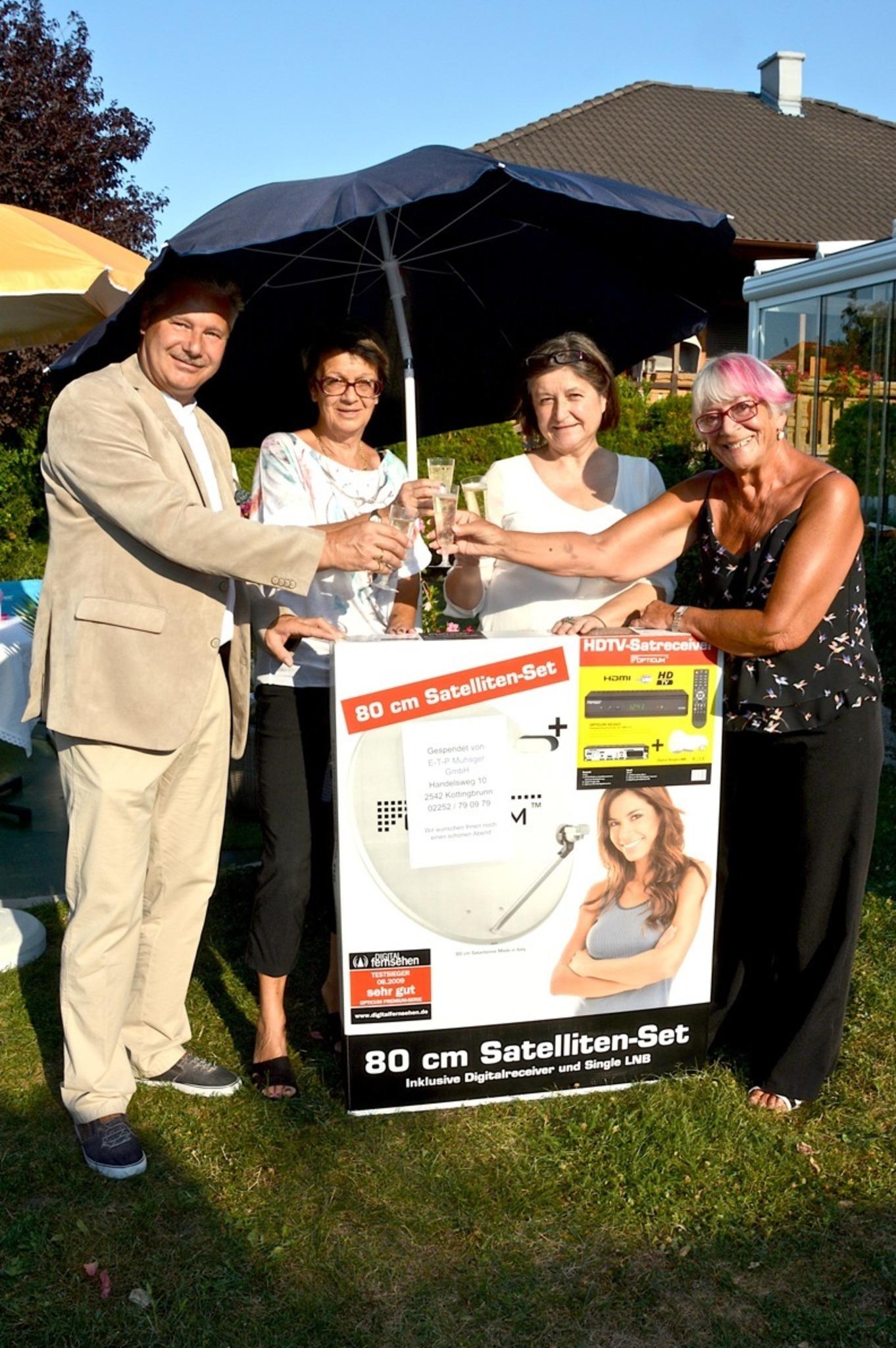 Inh. Margot Biacsics, Zur Blumenfrau in Kottingbrunn