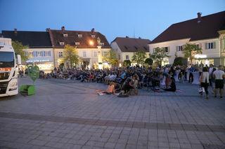 Viele besucher folgten der Einladung und genossen die laue Sommernacht am Gleisdorfer Hauptplatz