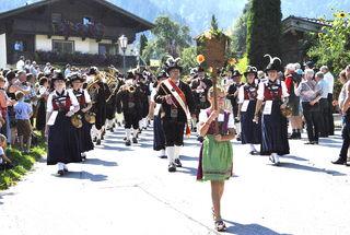 Einer der Höhepunkte war der große Festumzug mit allen Musikkapellen.