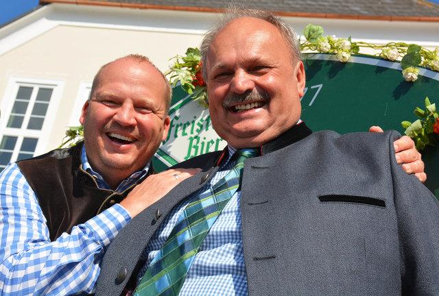 Von links: Festwirt Patrick Stützner und Messepräsident Franz Kastler.