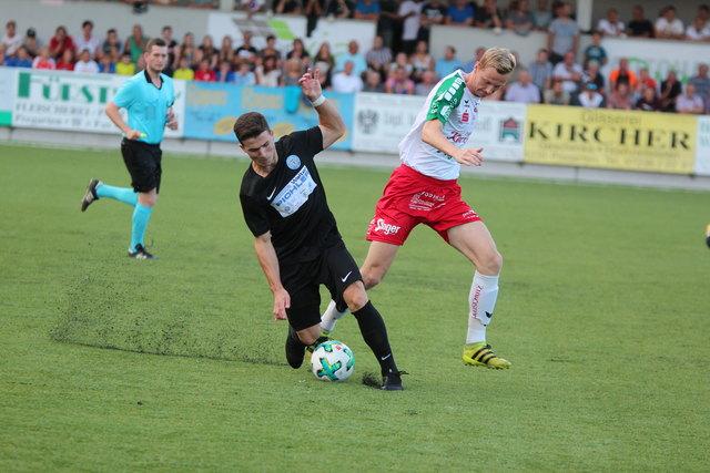 OÖ-Liga: Pregartens Kapitän Erik Freudenthaler (rechts) – auf diesem Bild im Match beim 1:0-Erfolg gegen St. Martin/M. – laboriert derzeit an einer Leistenzerrung.